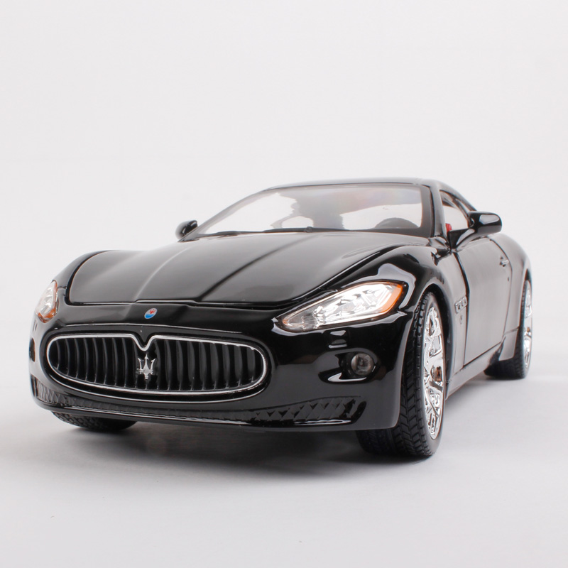 Wholesale 3pcs/pack Bburago 1/24 Scale Car Model Toys Maserati Quattroporte GT Diecast Metal Car Toy New In Box(China (Mainland))