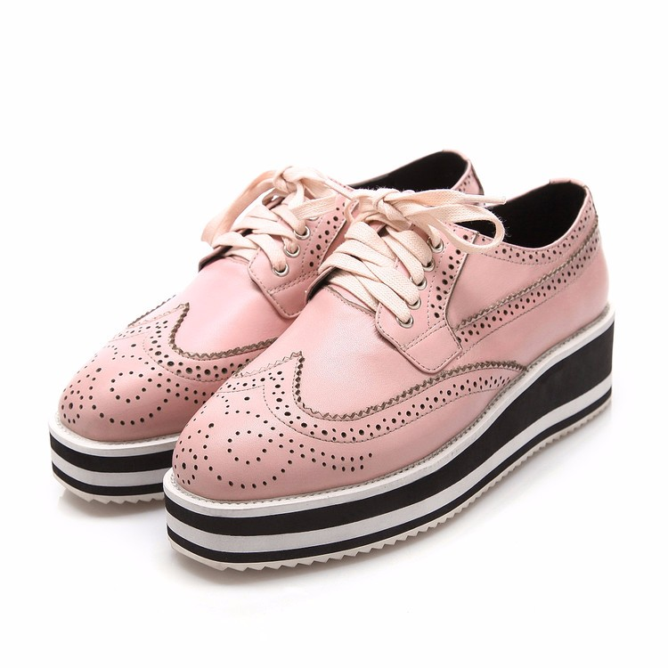 Genuine leather Oxford Shoes Woman Platform shoes 2017 Fashion Fretwork lace- up British style Brogue Oxford shoes women flats