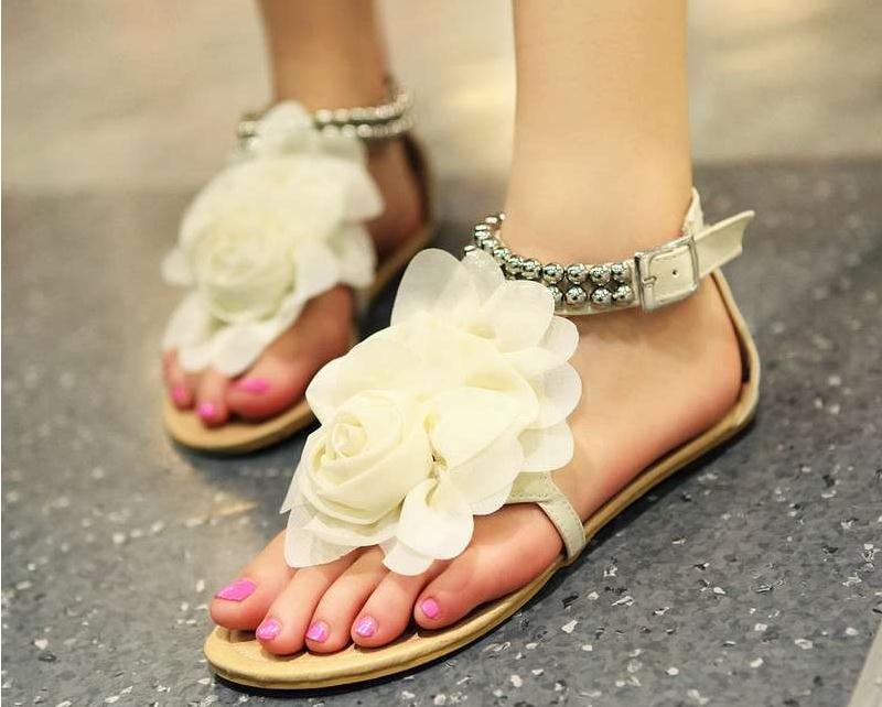 Big size 34-43 Women Sandals 2016 Bohemia Beaded Summer Flower Flat Heels Flip Flops Women Shoes GladiatorTstraps Sandals(China (Mainland))