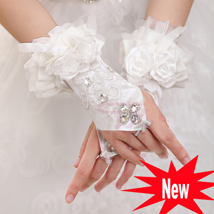 Lace short white fingerless gloves fashion flower girl bridesmaid women dancing performance gloves free shipping(China (Mainland))