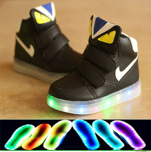 2015 spring/summer fashion LED light baby sneakers solid color fashion boys girls hot sales cute kids shoes children shoes(China (Mainland))