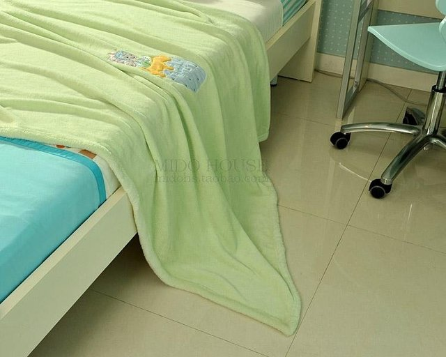 Free Shipping JF2524 Super soft coral fleece children blanket, close skin blanket