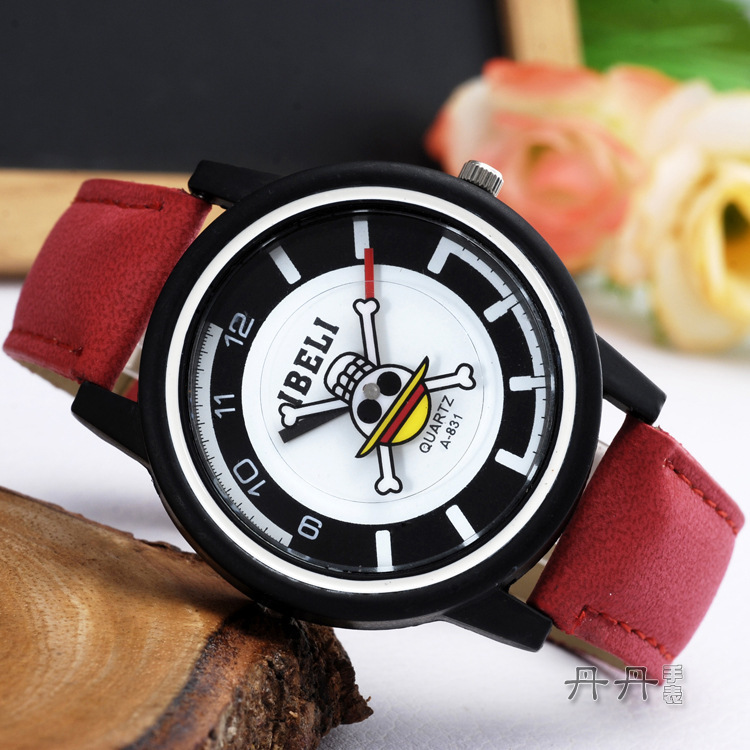 Jolly Roger skull personality Casual Leather Watch(China (Mainland))