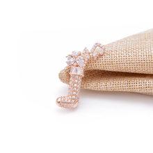 CINDY XIANG Cubic Zircnia Fiore Spille Per Le Donne Perla Spille Da Sposa Spilla Spille Materiale di Rame Gioelleria raffinata e alla moda del Regalo di Lusso(China)