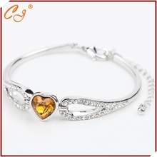 Must-have Beautiful Heart Crystal Bracelets  for Valentine's Day gift Shippment From America(China (Mainland))