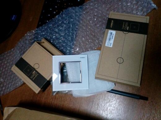 качество и доставка супер! за 14 дней до Магадана! отслеживания через почту РФ! упаковка на совесть! без повреждений! огромное спасибо!