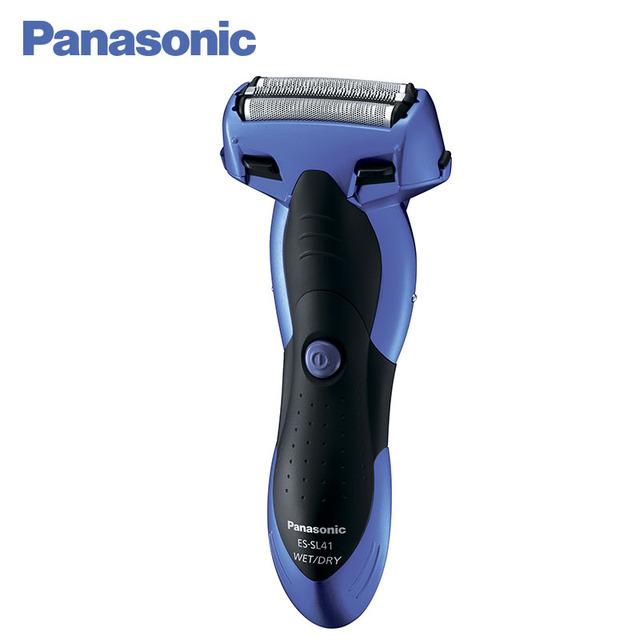 Panasonic ES-SL41-A520 Электробритва с системой из трех независимых сеток. Подходит как для сухого, так и для влажного бритья. Подвижные заслонки на корпусе предназначены для очистки бритвы под струей воды