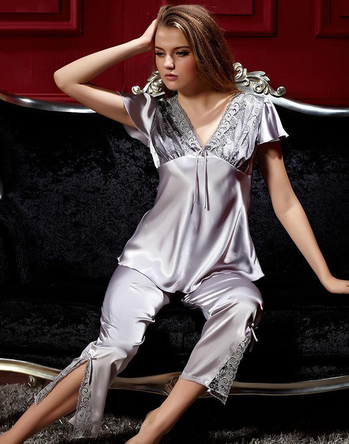 pyjama en satin femme. Black Bedroom Furniture Sets. Home Design Ideas