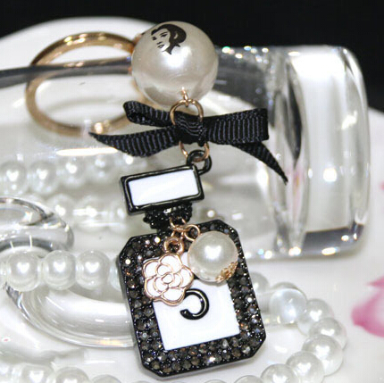 Brand Vintage Crystal Rhinestones perfume bottle keychain fashion black plated key chain ring holder women bag&car accessories(China (Mainland))