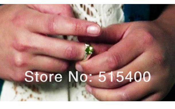 Replica of snow whites green engagement ring from once for Snow white wedding ring once upon a time
