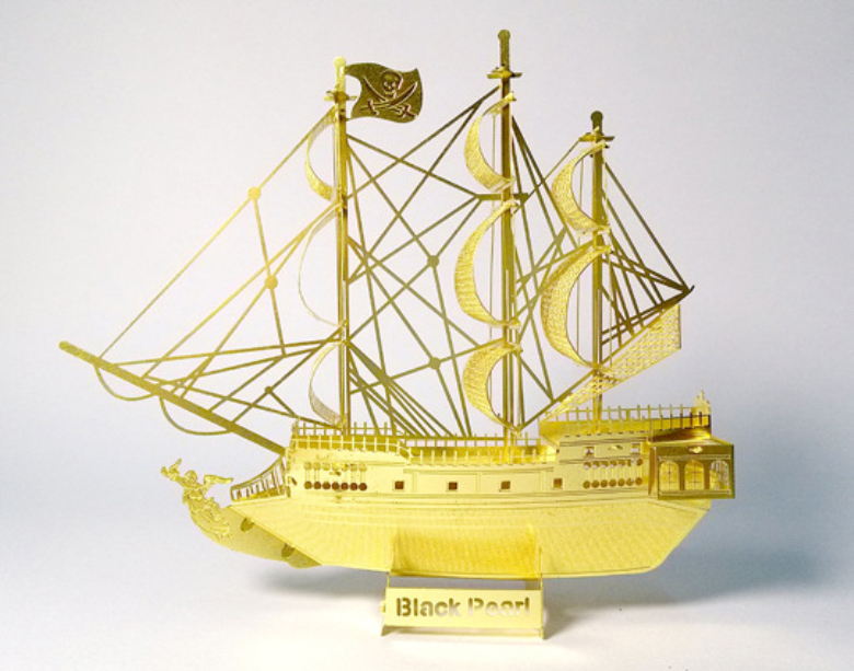 Traffic tools,DIY,3D,Metal,realistic,golden,Scale Miniature Model Kids,Black pearl pirate ship,Intelligent Educational Toys(China (Mainland))