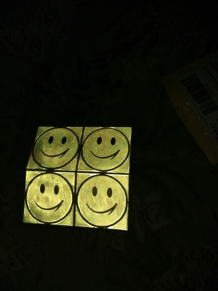 все пришло,не проверял как клеить,но вспышка на телефоне показала что световозвращающий эффект есть