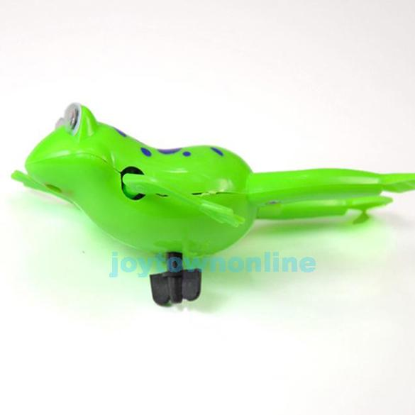 Swimming Frog Battery Operated Pool Bath Cute Toy Wind Up