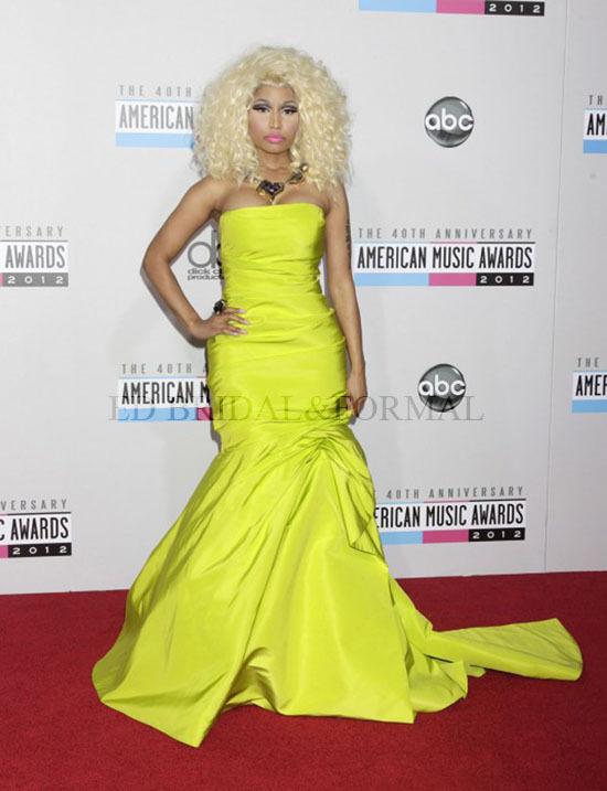 nicki minaj evening dress 40th american music awards red