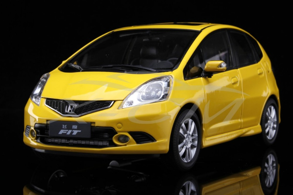 Diecast Car Model Honda Fit 2008 1:18 (Yellow) + SMALL GIFT!!!!!!(China (Mainland))