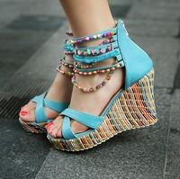 Новая мода женская обувь Босоножки клинья высокие каблуки богемный стиль бисером женщин клин сандалии моды конфеты rl703